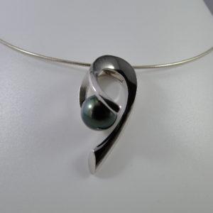 pendentif créateur et perle de tahiti